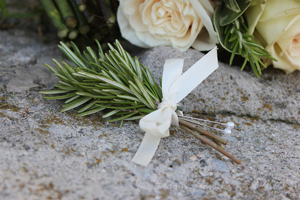 Simple Boutonnieres